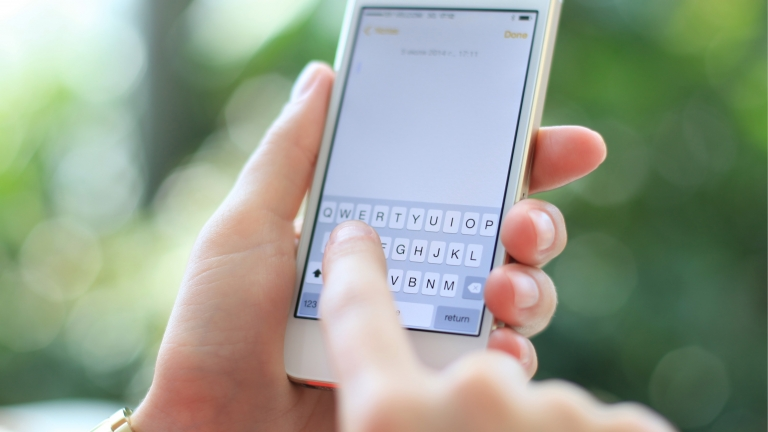 iPhoneでウェブ上の画像をコメント付きで保存する方法