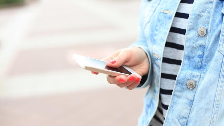 iPhoneのキーボードに表示される音声入力ボタンを非表示にする方法