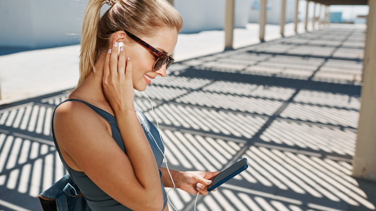 知らなきゃ損するiPhone純正イヤホン『EarPods』の便利な使い方7選