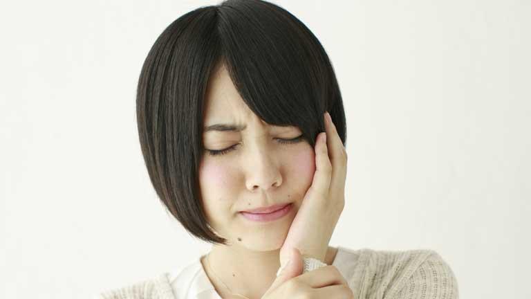冷たいものを食べると歯がキーンとなる!知覚過敏になりやすい5つのNG習慣