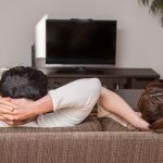 スマホとテレビを接続したい人へ!3分でつなぎ方を解説します